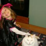 Abby geniesst den Wellness-Handschuh